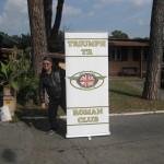 Pierluigi con il banner del Club
