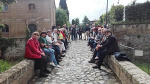 Arturo Comastri guida la visita al palazzo Orsini a Sorano