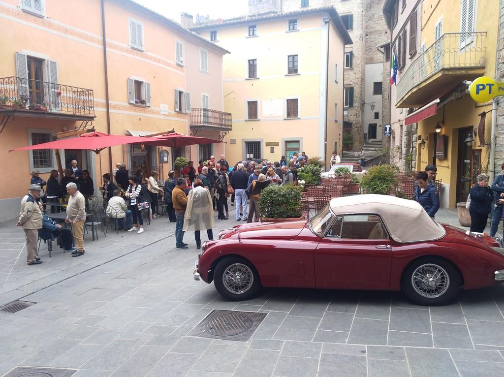La deliziosa piazzetta di Montone