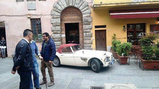 In piazzetta a Montone