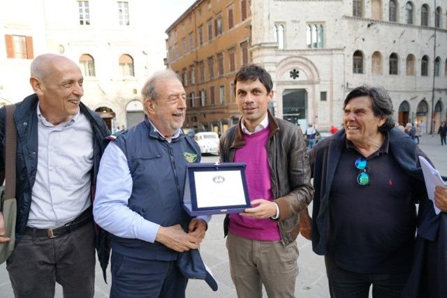 Roberto con il Sindaco di Perugia avv. Andrea Romizi