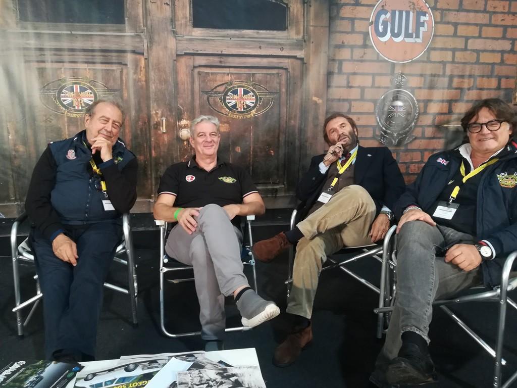 Un momento di relax, Roberto, Maurizio, Massimo e Tony